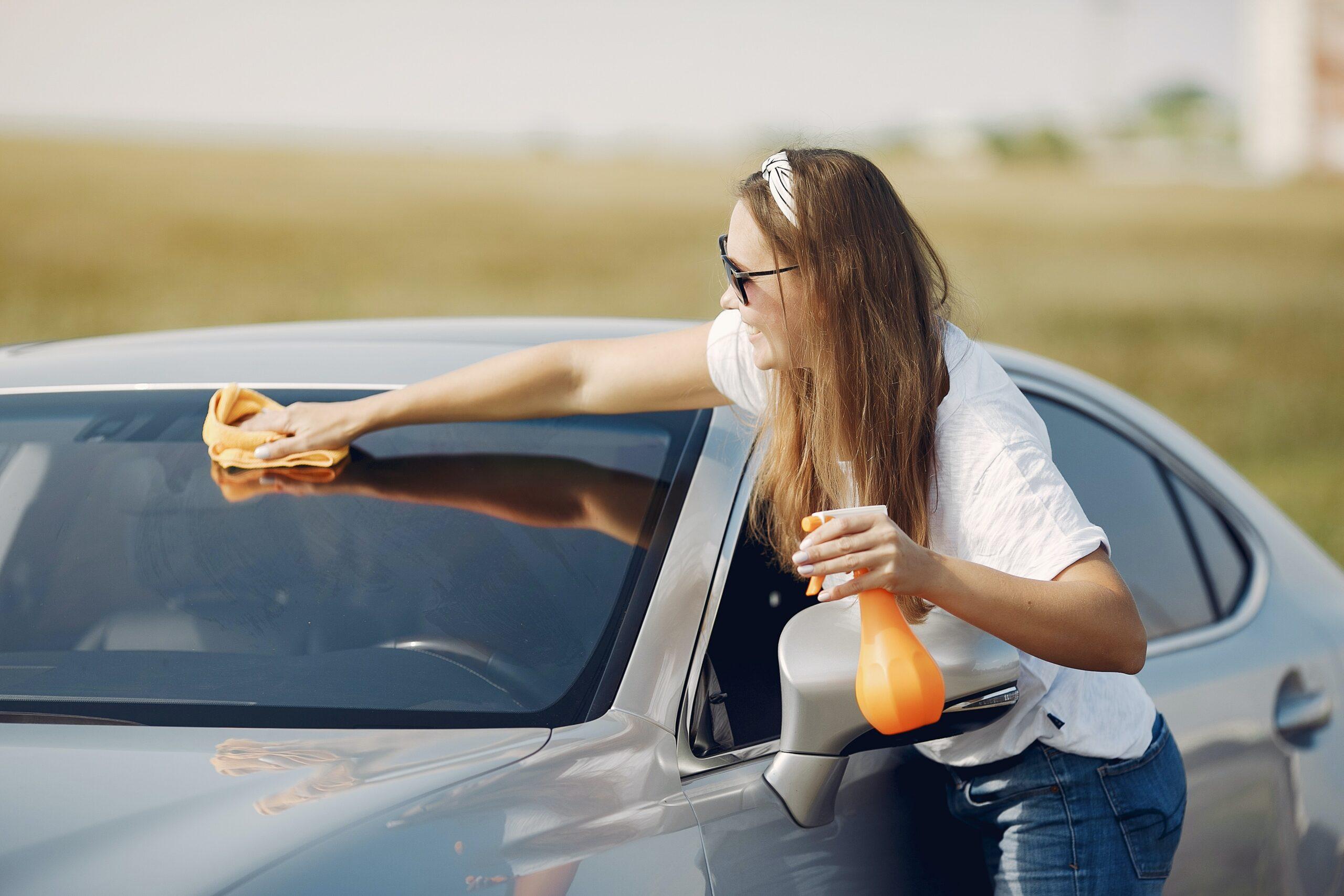 Bilvoks & lakkrens/polish test: 8 beste produkter for en skinnende bil